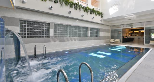 Best Western Plus Hotel Modena Resort the indoor and heated in the winter months the hotel