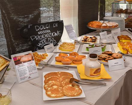 breakfast table at the Modena Resort