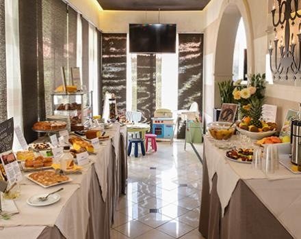 breakfast at hotel Modena Resort